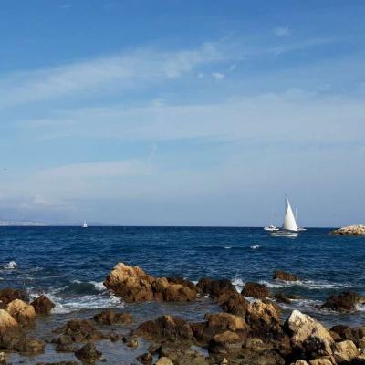Entrée du port d'Antibes