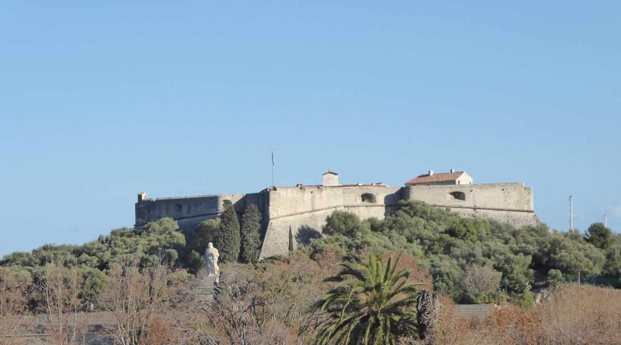 Le Fort carré